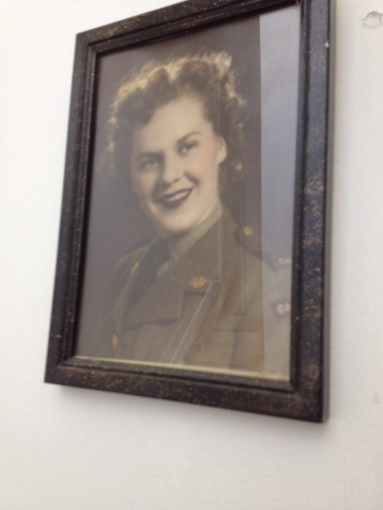 Canadian woman army uniform WWll
